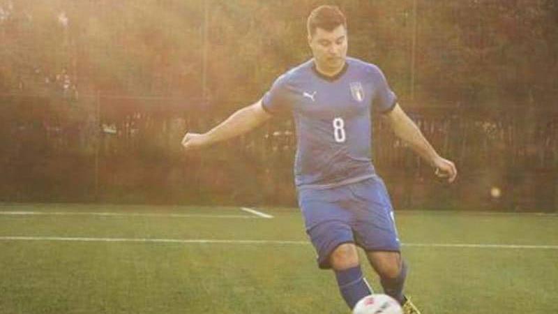 "Nazionale ""Crazy For Football"" plays for Antonio Barba"