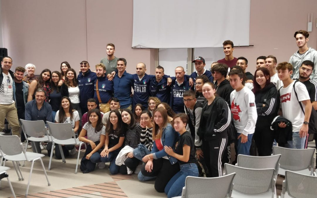 """CINEMIND e la Nazionale """"Crazy for Football"""" all'Istituto """"Pirandello"""" di Lampedusa"""